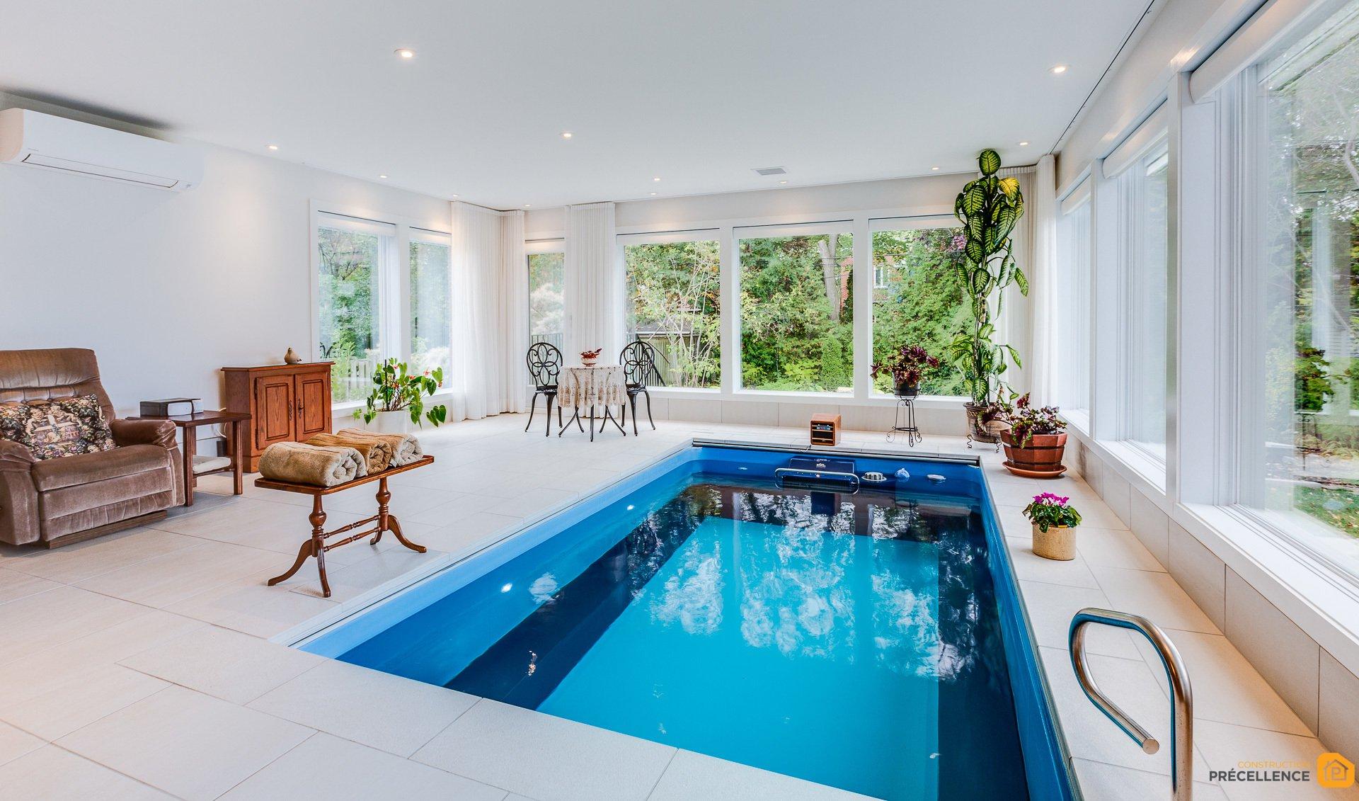 Construction de piscine int rieure et agrandissement ahuntsic construction precellence for Construction piscine interieure