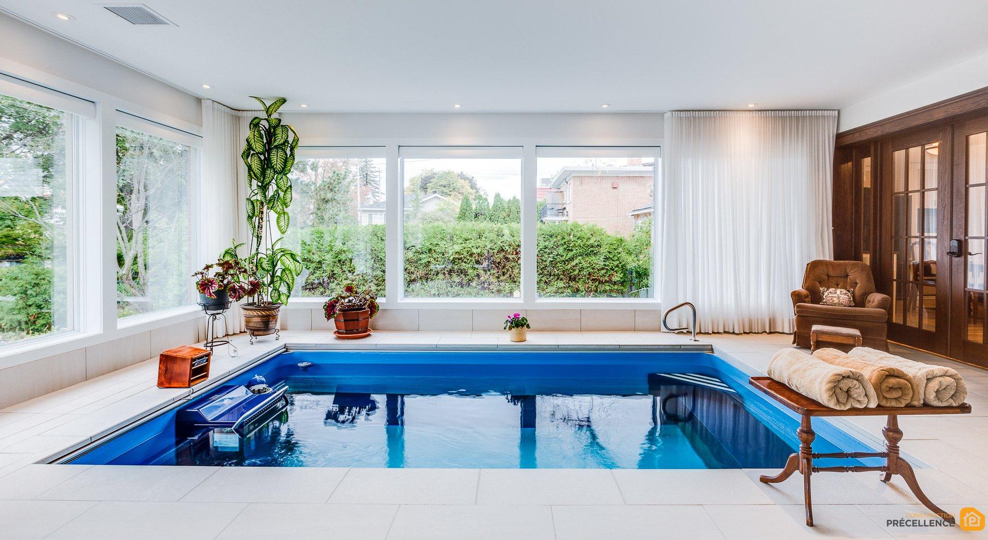 Faire Construire Une Piscine Intérieure construction de piscine intérieure et agrandissement